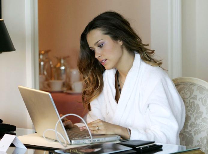 Работа девушек в видеочатах работа в вебкам эротика для девушек