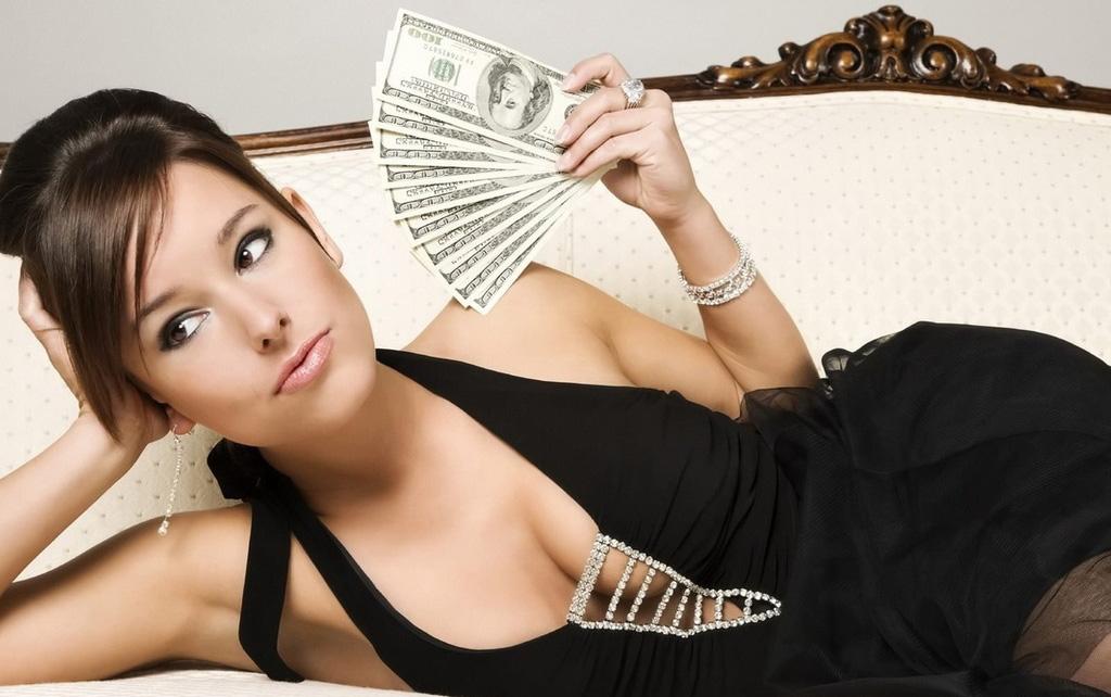Высокооплачиваемая работа для девушек СПб: дома или в студии?