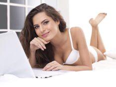 Возраст вебкам модели: от чего зависит заработок